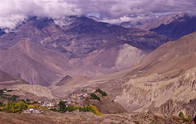 Looking over Jarkot to the Mustang
